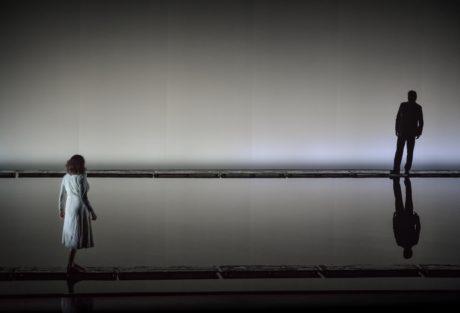 Voda milence rozděluje, když se navždy loučí (Pavla Vykopalová, Magnus Vigilius) FOTO (c) NdB opera / Marek Olbrzymek