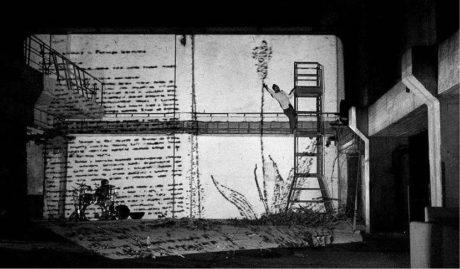 V Prometheovi využíval Tomáš Bambušek celou halu bývalé papírny Perla FOTO JAN DVOŘÁK