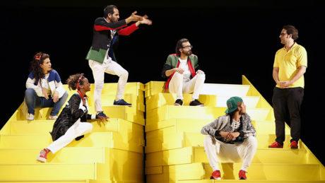Orit Nahmias (Noa), MaryamAbu Khaled (Laila), Yousef Sweid (Amir), Ayham Majid Agha (Hamoudi), Karim Daoud (Karim) a Dimitrij Schaad (Stefan). FOTO MGT