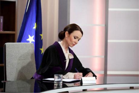 Jako soudkyně Barbara v populárním reality seriálu FOTO  TV BARRANDOV