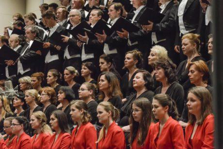 Sbor Janáčkovy opery, sbormistři Josef Pančík a Pavel Koňárek. FOTO archiv NdB