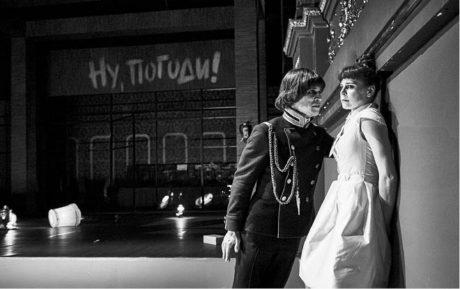 Igor Orozovič jako Vasilij Solenyj a Veronika Lazorčáková jako Irina ve Třech sestrách FOTO MARTIN ŠPELDA