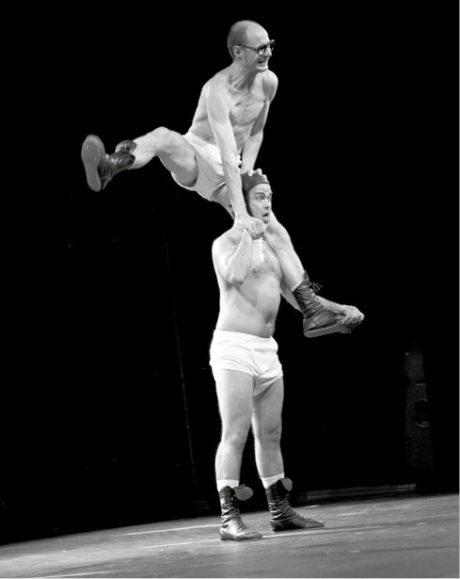 Nonverbální klaunerie Slips Inside belgického dua Okidok  FOTO LEO MAUGER