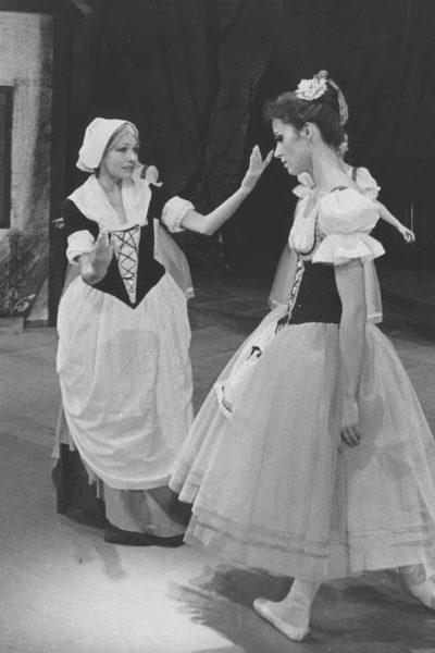 Vlevo (se Simonou Křenkovou) v baletu Giselle, 1995. FOTO archiv MDO