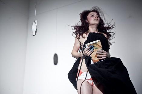 Julie Goetzová v Heteronymu Nin. FOTO Vojtěch Brtnický
